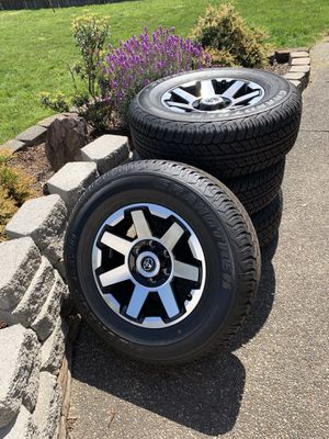 Donlop AT20 Grandtrek Tires & Rims, P265 170R17 for Sale in Orting, WA