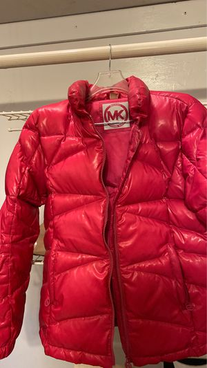Michael Kors medium pink puffer for Sale in Atlanta, GA
