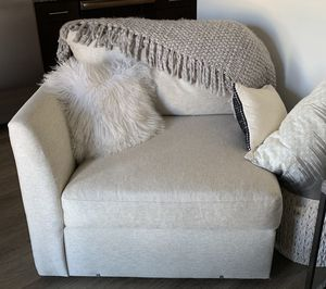 American Signature couch or chairs for Sale in Nashville, TN