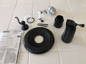 Delta MultiChoice Valve Trim and Tub Spout Cover in Oil Rubbed Bronze for Sale in Santa Maria, CA
