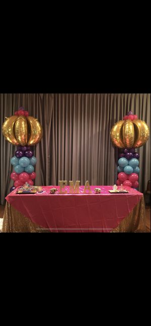 Balloon columns for Sale in Chelsea, MA