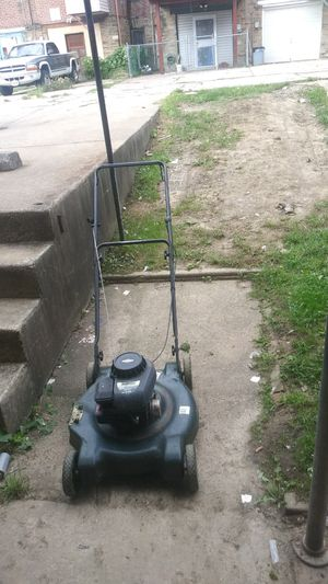 Gas lawn mower runs great for Sale in Philadelphia, PA