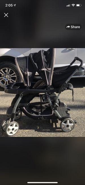 Double stroller for Sale in Mystic Islands, NJ