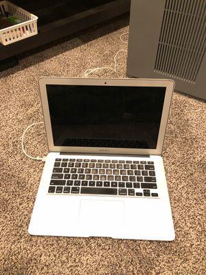 """2014 MacBook Air 13"""" 1.4ghz i5 4GB RAM 251GB Flash Storage for Sale in Lynnwood, WA"""