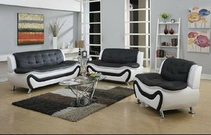 Black and white leather sofa, loveseat and Chair on sealed original packaging unused unopened DELIVERY available for Sale in Portland, OR