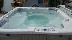 Caldera 6 person hot tub for Sale in Los Angeles, CA