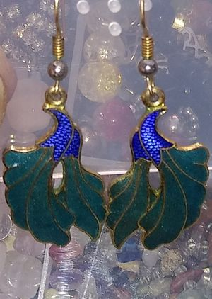 Vintage hook drop earrings for Sale in Montclair, CA