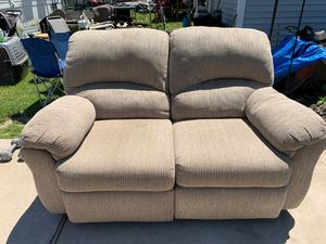 Sofa low two sitz wery good condichen 30$ for Sale in St. Louis, MO