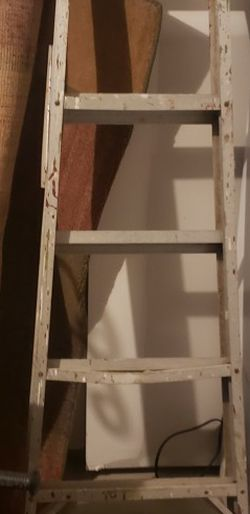 Free Ladder for Sale in Canal Winchester,  OH