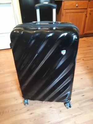 Large Mia Toro luggage for Sale in North Tonawanda, NY