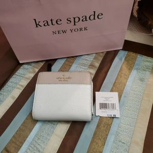 New Kate Spade small Zip Bifold Wallet for Sale in Kissimmee, FL