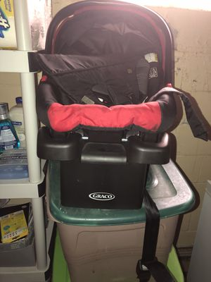 Car seat & baby carrier for Sale in Detroit, MI