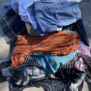 FREE Men/Woman Clothing & Bed sheets for Sale in Bloomington, CA