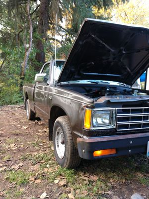 1984 Chevy S-10 lng bed. V6 automatic for Sale in North Bend, WA