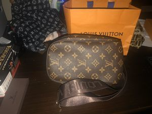 Louis Vuitton Bum Bag for Sale in Nashville, TN