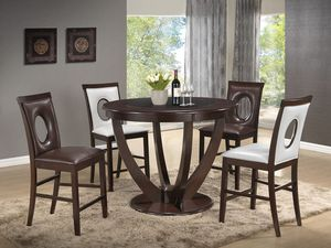 Dining Table 4 Chairs, Good Quality. for Sale in Carlstadt, NJ