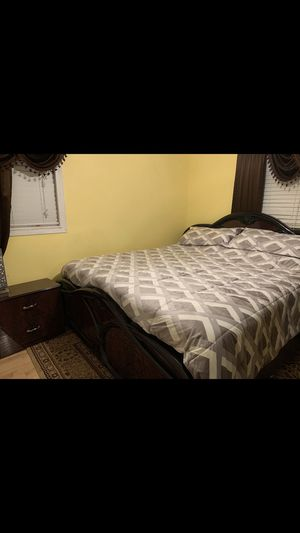 Queen or King Bedroom Set for Sale in St. Louis, MO