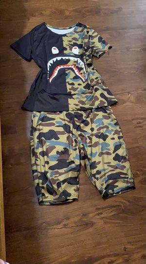 Ladies BAPE outfit sz XL for Sale in Baton Rouge, LA