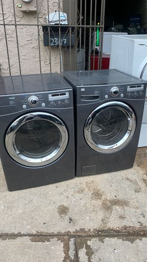 Lg washer n gas dryer set for Sale in Philadelphia, PA
