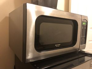 Sharp microwave used good condition for Sale in Centreville, VA