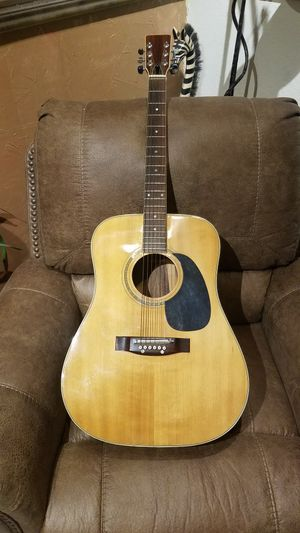 Yamaha guitar for Sale in Clovis, CA