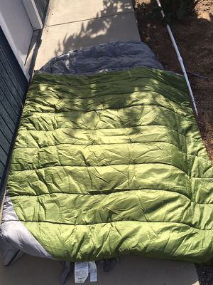 Kelty Double wide 20 sleeping bag for Sale in San Diego, CA