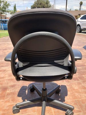 Steelcase leap v1 office chair dark grey for Sale in Hawthorne, CA