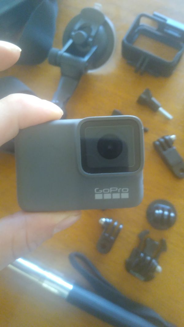 GOPRO hero 7 silver and mounts