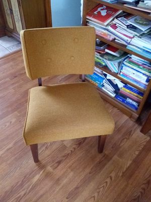 Mid Century Modern Chair for Sale in Peoria, IL