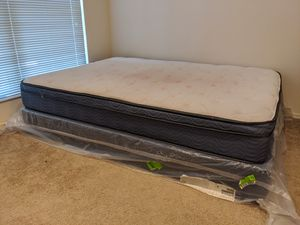 Matress + Box for Sale in Overland Park, KS