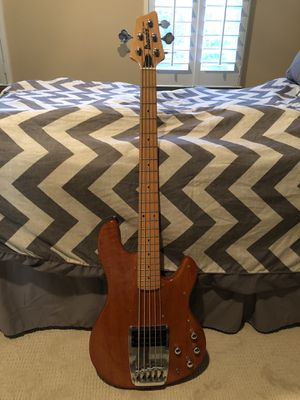 FSOT Ibanez ATK305 Bass Guitar for Sale in Irving, TX