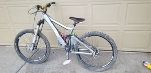 Giant glory 2011 downhill bike price reduced! No trades for Sale in Oregon City, OR