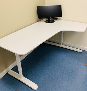 Corner desk - Good condition for Sale in San Diego, CA