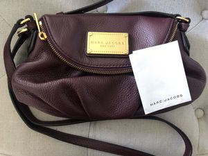 Authentic Marc Jacobs Mini Messenger Leather Crossbody Bag for Sale in Anaheim, CA