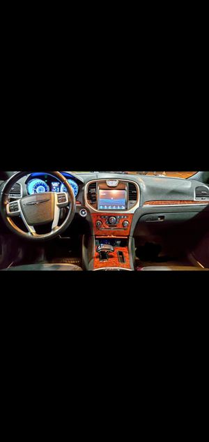 2012 Chrysler 300 (excellent condition) for Sale in San Jose, CA