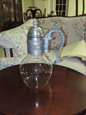 GLASS & STERLING SILVER PLATED COFFEE DECANTUR HEAT PROOF CARAFE W/ORNATE LID. for Sale in Palmetto, FL