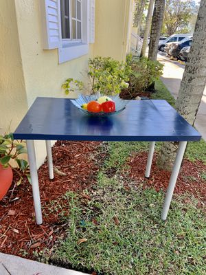 Table - Mesa for Sale in Homestead, FL