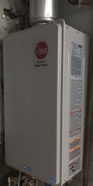 Tankless water heater for Sale in Miami, FL