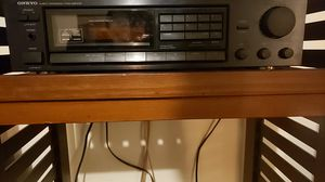 ONKYO quarts synthesized tuner amplifier for Sale in Round Rock, TX