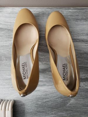 Michael kors nude shoes for Sale in Fort Myers Beach, FL