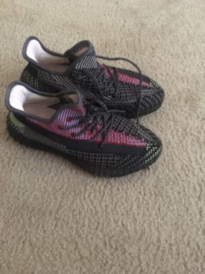 Yeezy Boost 350 V2 Yachell for Sale in Woodlawn, MD