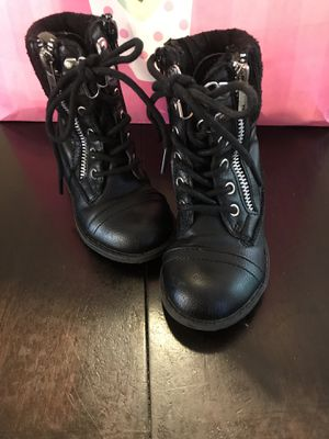 Girl boots size 6 toddler for Sale in Charlotte, NC