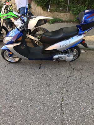 150cc scooter for Sale in Baltimore, MD