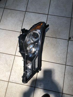 2013-2015 Toyota RAV4 Passenger side headlight for Sale in Nashville, TN