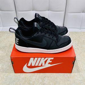 Nike Kids Court Borough, Black Mid Basketball Shoes Size: 6 YOUTH for Sale in Burlington, WA