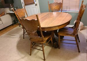 Antique tiger claw table for Sale in San Marcos, TX