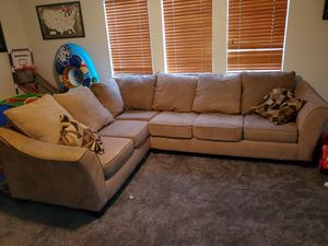 Brown sectional couch for Sale in Corona, CA