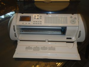 """2 Cricut Expression 24"""" Cutting Machine Provo Craft + 13 Cartridges for Sale in Fort Worth, TX"""