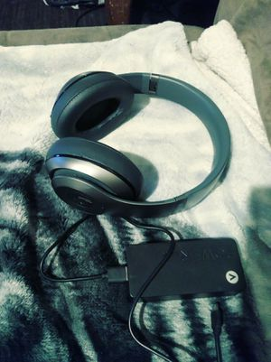 Wireless Beat headphones with power block for Sale in Columbus, OH