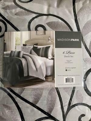 King size 6 piece Madison Park Duvet cover set for Sale in Newport News, VA